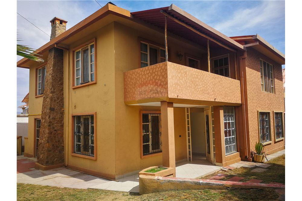 210 M Casa Esquinera De Venta 3 Dormitorios Ubicada En Parque Comunal Norte Cochabamba Cercado Cochabamba Bolivia