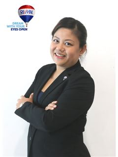 Lily Tan - RE/MAX First