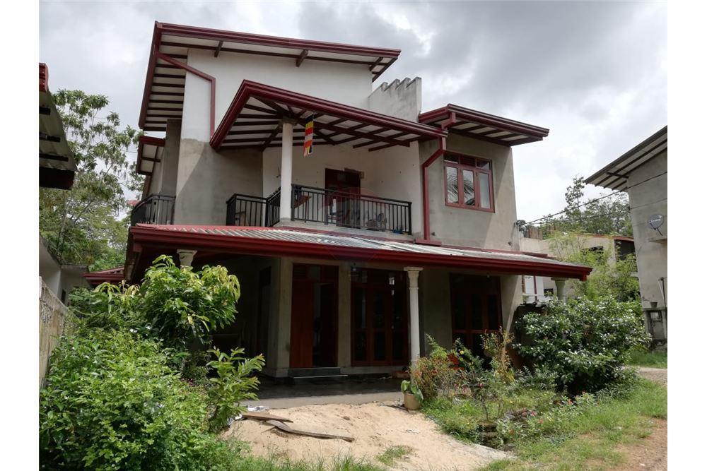 2,500 Sqft: House For Sale, 3 Bedrooms located at Thalahena - Colombo | Sri  Lanka