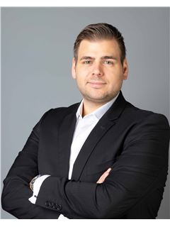 Associate - Christian Glatz - RE/MAX in Ratingen