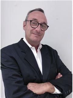 Gregorio Carnicero Hoyuelos - RE/MAX PROPERTIES
