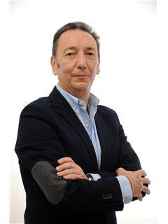 Pablo Martínez Donaire - RE/MAX DISTRITO CLÁSICO