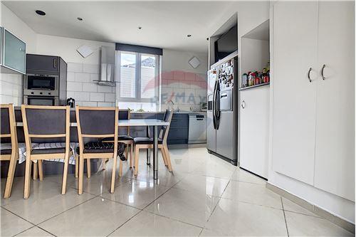 House - For Sale - Awans, Belgium - 37 - 210031004-1
