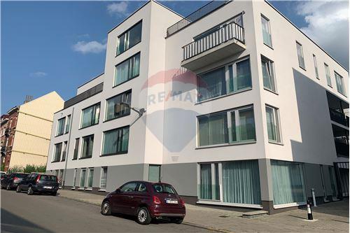 Condo/Apartment - For Sale - Schaerbeek, Belgium - RE/MAX Premium - Appartement Schaerbeek - 210021015-8