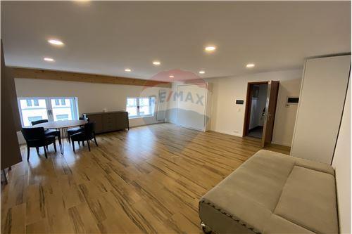 Condo/Apartment - For Rent/Lease - Molenbeek-Saint-Jean/Sint-Jans-Molenbeek, Belgium - 4 - 210021009-192