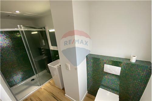 Condo/Apartment - For Rent/Lease - Molenbeek-Saint-Jean/Sint-Jans-Molenbeek, Belgium - 14 - 210021009-190