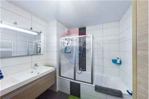 Duplex - For Sale - Gouvy, Belgium - RE/MAX Exclusive, spécialiste de l - Bathroom - 210031005-3