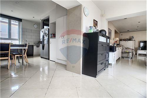 House - For Sale - Awans, Belgium - 38 - 210031004-1
