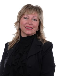 Nelli  Morlok - RE/MAX Lettings