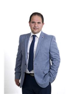 Onyx Dimech - RE/MAX Alliance - Pender