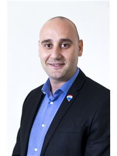 Nayden Hristov - RE/MAX Affiliates - Excellence Preluna