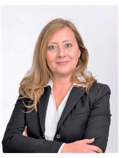 Sue Camilleri - RE/MAX Lettings