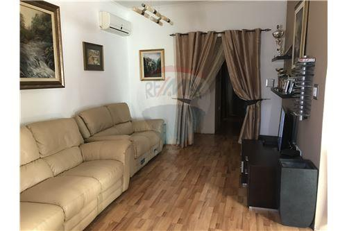 rooms to go beds maisonette for attard central 240081079 3 16996