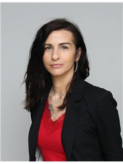 Sabrina ESCURE - RE/MAX - Partners