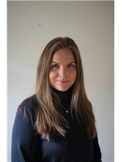 Anne Petukhova - RE/MAX - Real Estate Solutions