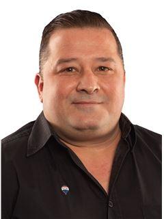 Victor Soares - RE/MAX - Premium