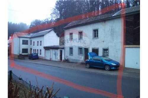 RE/MAX Premium, 2 maisons à vendre à Ferschweiler