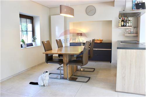Samostatný dom - Na predaj - Consdorf - 19 - 280181023-9