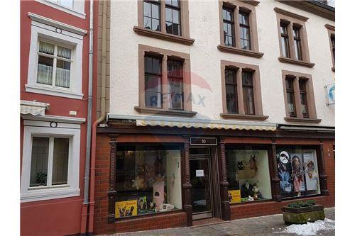 RE/MAX Premium, Maison avec duplex à Neuerburg