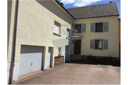 RE/MAX Premium, maison à vendre à Colmar-Berg