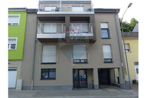 RE/MAX Premium, appartement a vendre à Rodange.