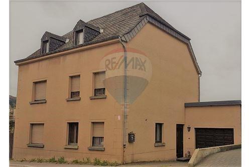 RE/MAX Premium, maison à vendre à Wiltz