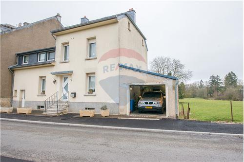 RE/MAX Premium maison à vendre à Clemency