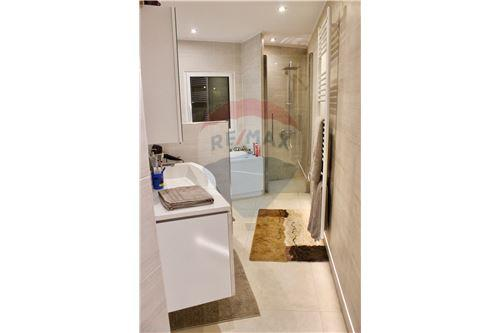 Samostatný dom - Na predaj - Consdorf - 30 - 280181023-9