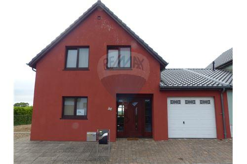 RE/MAX Premium, maison à vendre Boulaide.