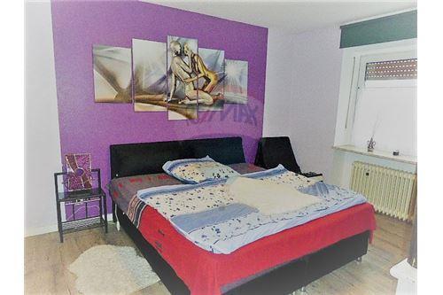 RE/MAX Premium, maison à vendre à Kruchten