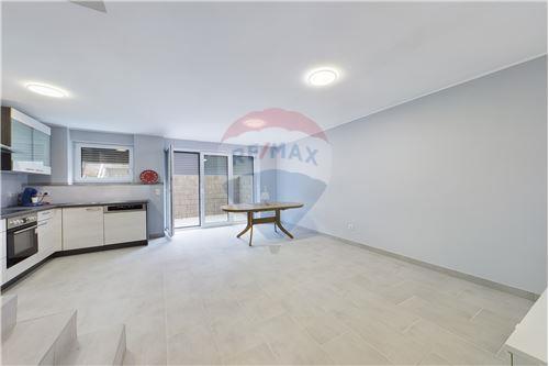 Chambre - A louer - Ettelbruck - RE/MAX Premium, chambre à louer à Ettelbruck - 280071087-9