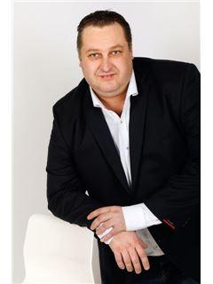 Jiří Bartoš - RE/MAX Partner