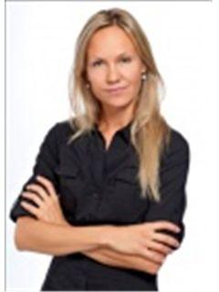 Gabriela Asplund - RE/MAX Dynasty