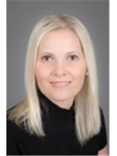 Zuzana Oliverius - RE/MAX Diamond Group