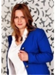 Marie Žáčková - RE/MAX Commercial Group