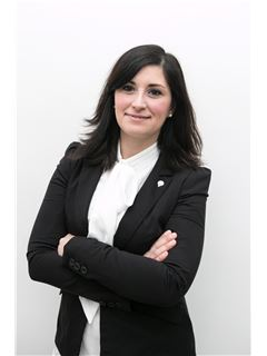 Assistente - Lucia Catania - RE/MAX Platinum