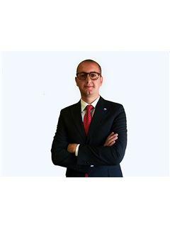 Assistente - Damiano Vitolo - RE/MAX Smart City