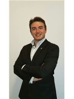 Assistente - Mario Nicolosi - RE/MAX Platinum