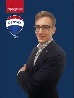 Consulente Immobiliare - Stefano Gabella - RE/MAX Expo
