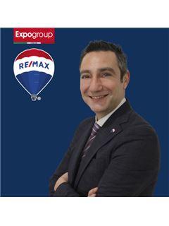 Consulente Immobiliare - Carlo Marossi - RE/MAX Expo