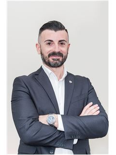 Consulente Immobiliare - Francesco Dargenio - RE/MAX Capitan House