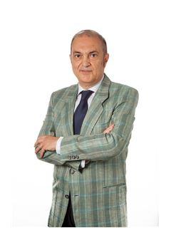 Broker Titolare - Marco Armenia - RE/MAX First Class