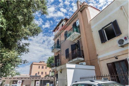 Italy real estate & all property types for rent and for sale re