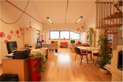 Case e immobili in vendita o in affitto a monterotondo rm for Affitto ufficio monterotondo