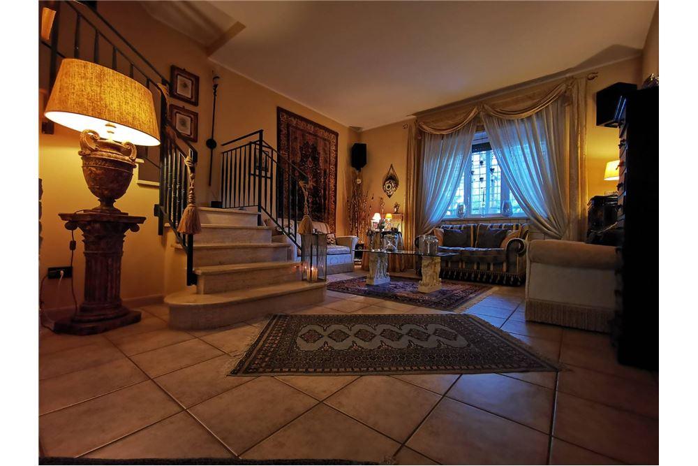Armadi A Muro Su Misura Bari.Townhouse For Sale Bari 20031097 194 Re Max Tunisia