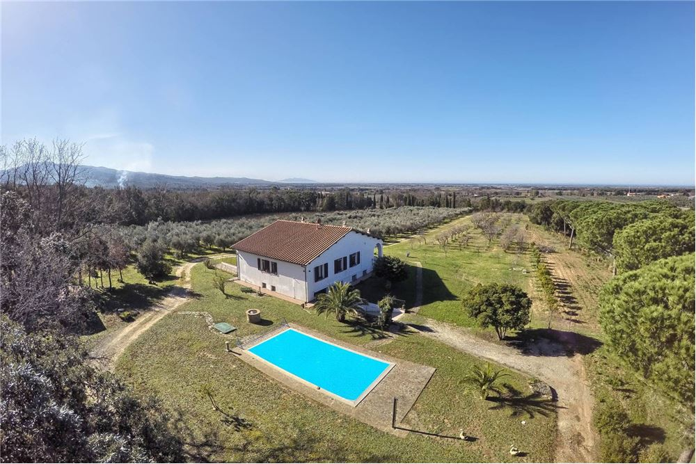 600 Sqm Country Home For Sale 4 Bedrooms Located At Bolgheri Castagneto Carducci Italy