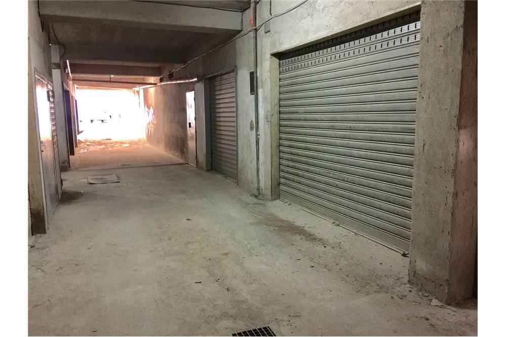 Garage box in affitto rossano stazione 31581001 655 for Garage in affitto