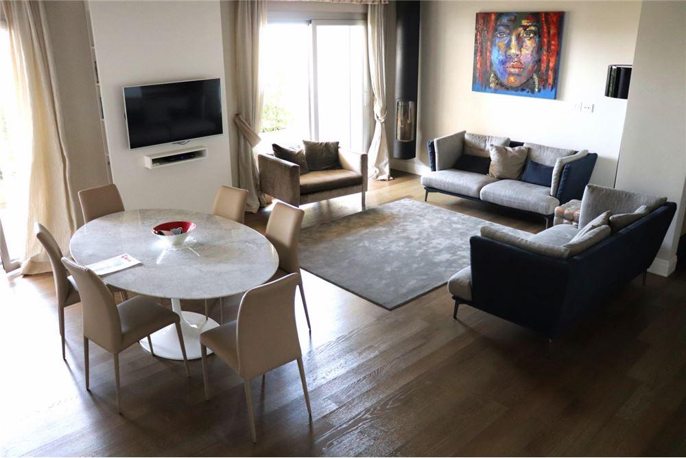 Cappottiere In Legno.143 Sqm Condo Apartment For Sale 2 Bedrooms Located At Bari Poggiofranco Bari Italy