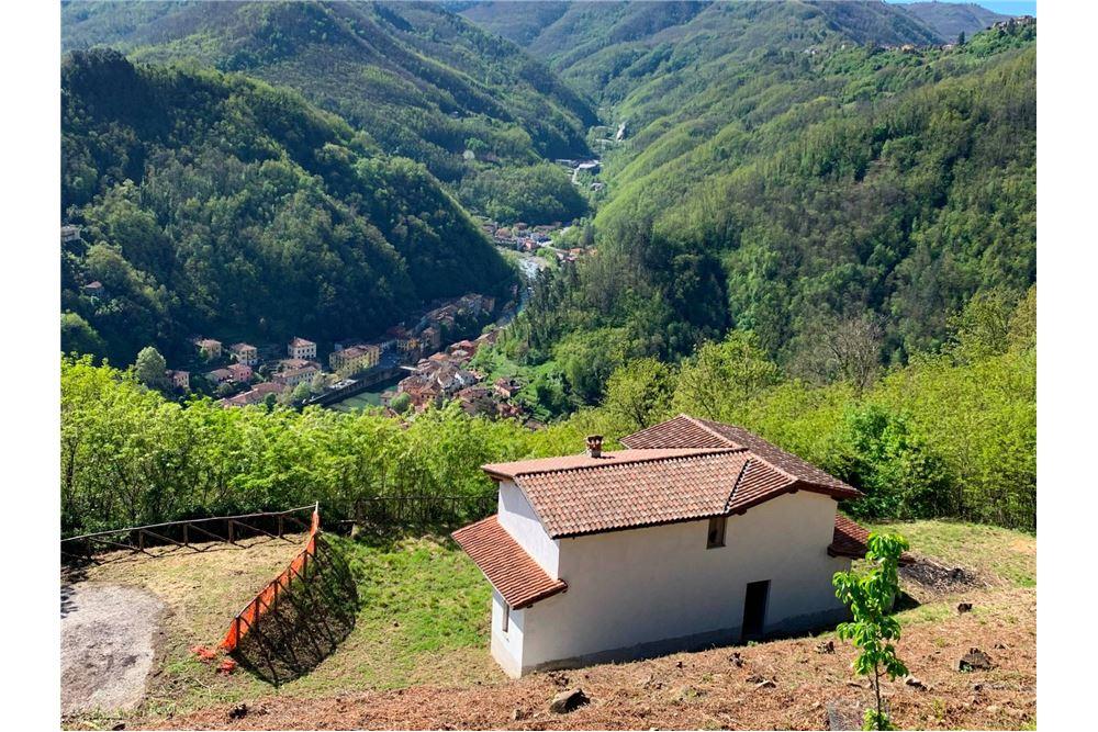 142 Sqm Villa For Sale 3 Bedrooms Located At Loc Al Livello Granaiola 5002 Bagni Di Lucca Lu Italy