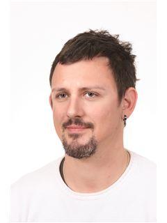 Associate in Training - Marko Rubbi - RE/MAX Centar nekretnina 2